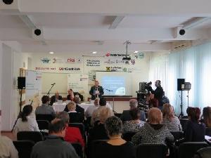 2014.11.13. Dunaújváros - Vállalkozások tapasztalatcseréje